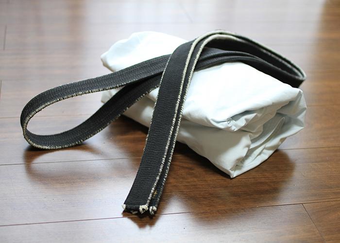 折りたたまれた道着と帯